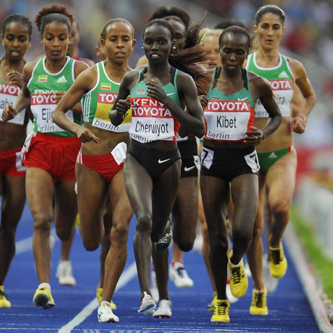 Vivian Cheruiyot (center) and fellow Kenyan Sylvia Kibet (right) finished 1-2 in the women's 5000.