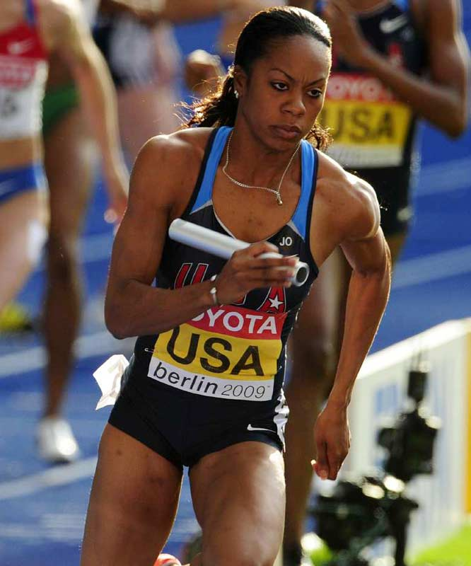 A determined Sanya Richards anchored the gold-medal winning 4x400 relay team.