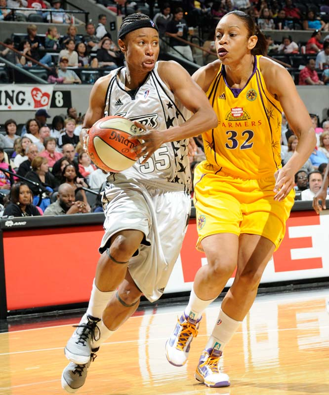 "On Monday, Vickie Johnson (pictured) received the first conference player of the week nod of her 13-year career, which will end with her retirement after this season. She averaged 22.0 points on a league-leading 76.0 percent shooting, 3.5 assist, and 3.5 rebounds in victories over Minnesota (84-82) and Los Angeles (89-72) to keep the Silver Stars ahead of the Lynx for the fourth and final playoff spot in the West. ""She still has those little bursts of energy,"" Becky Hammon said of Johnson. ""You can still throw the ball up (the floor) to her and you know she's going to turn the jets on and go underneath and get it.""<br><br>Coming up: 9/10 at Sacramento; 9/12 vs. Seattle"