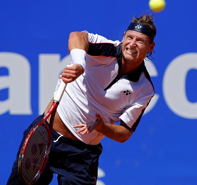 The former world No. 3 and 2002 Wimbledon finalist David Nalbandian will make his comeback from hip surgery in an exhibition tournament in Buenos Aires in December. He plans to return to the ATP circuit in January in Sydney, where he will defend his title.