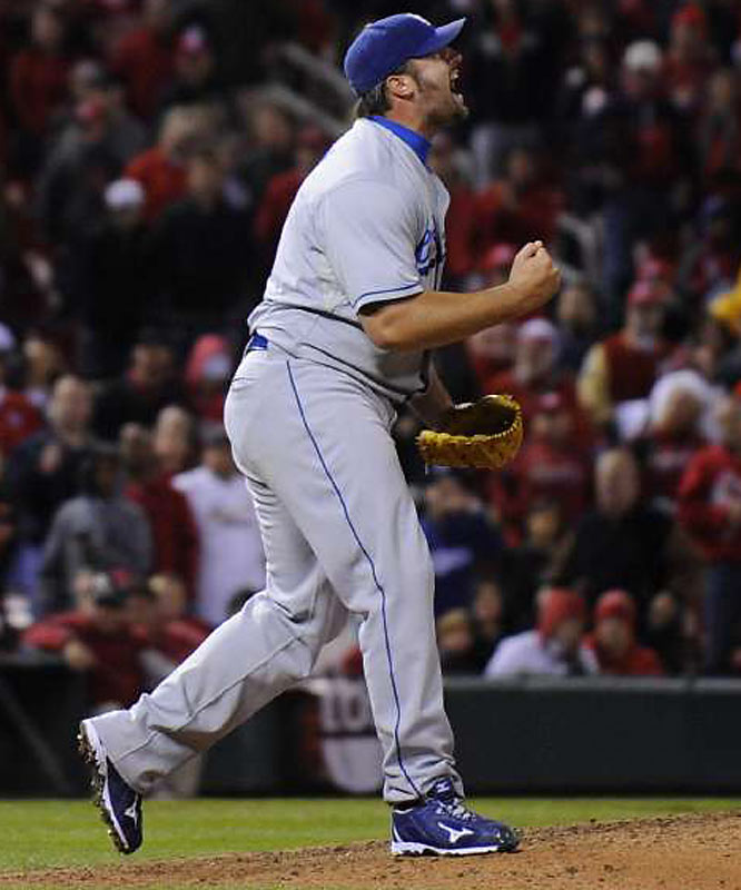 Jonathan Broxton closed out the win.