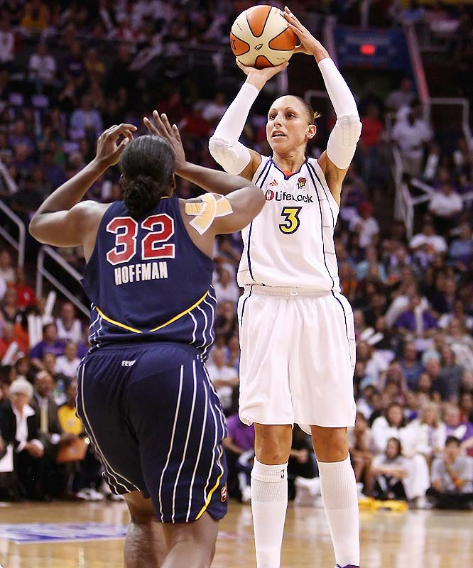 With the trophy on the line, WNBA regular season MVP Diana Taurasi took over, putting up 26 points while Cappie Pondexter added 24.