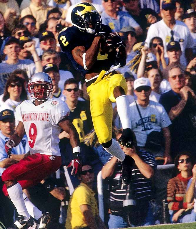 The first and only primary defensive player to win the award, the cornerback helped Michigan to an undefeated season and a share of the national championship. Also used as a kick returner and occasional receiver, Woodson beat out Tennessee's Peyton Manning by 282 points.