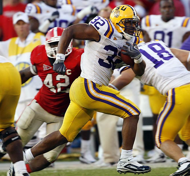 Charles Scott scored on a 33-yard run with 46 seconds remaining to cap a wild finish that gave LSU the win against 18th-ranked Georgia.