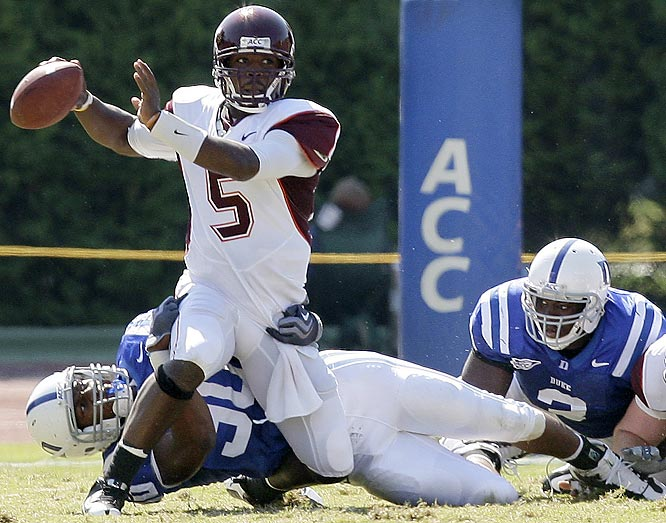 Tyrod Taylor threw two long touchdown passes and sixth-ranked Virginia Tech dodged a letdown and beat Duke on Saturday.