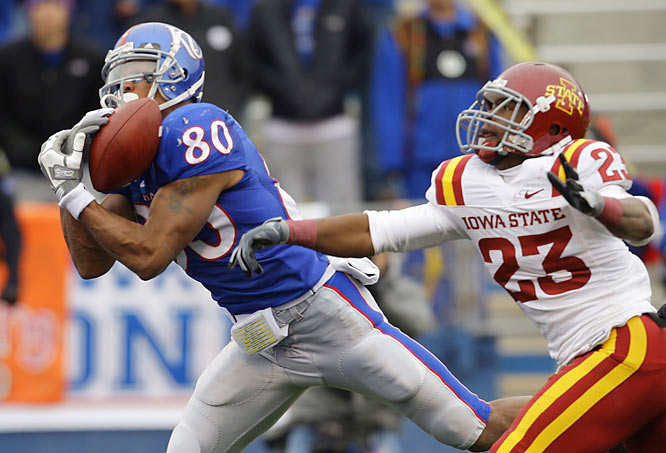 Dezmon Briscoe caught two of four touchdown passes thrown by Kansas quarterback Todd Reesing, who finished with 442 yards for the undefeated Jayhawks. Briscoe had 12 catches for 186 yards on the day while teammate Kerry Meier had 16 catches for 142 yards and two TDs.