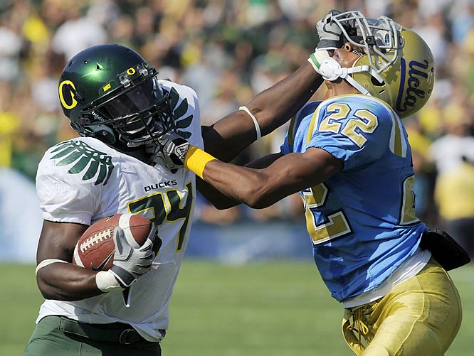Kenjon Barner erased a 3-0 deficit by returning the opening kickoff of the second half for 100 yards, and Oregon went on to score 21 consecutive points to improve to 5-1. Barner also had a 48-yard run on one of his four carries from scrimmage.