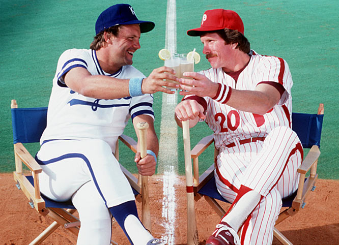 George Brett and Mike Schmidt share a toast during a SI photo shoot.