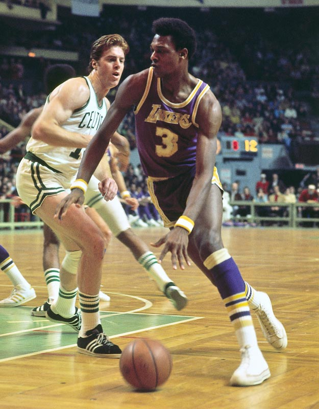 Elmore Smith (pictured here in 1974) of the Los Angeles Lakers blocks an NBA-record 17 shots in the Lakers' 111-98 home victory over Portland.