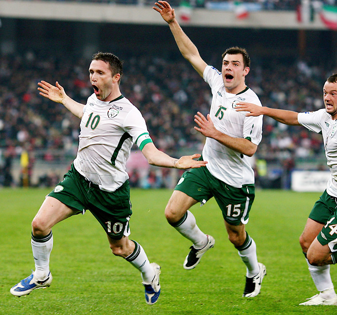 The Tottenham Hotspur icon (far left) was a fresh-faced 21-year-old in '02, the last time his nation reached the World Cup, and remembers none-too-fondly the Irish bowing out to Spain in the Round of 16 in a shootout. Ireland has never been as close as it is now to returning to a major tournament. Keane & Co. have a massive date with Italy -- the leader in European Group 8 and native country of their own head mastermind head coach, Giovanni Trapattoni -- on Saturday that can swing fate back their way. They then close out qualification on Oct. 14 against tiny Montenegro. By then we'll know if Irish eyes are smiling on South Africa.