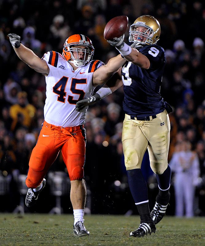 Weis failed to lead a turnaround in 2008, as the Irish posted a 6-6 regular season. But one loss in particular fanned the hot-seat fire: a 24-23 shocker to the lowly Syracuse Orange, who were coached by the already fired Greg Robinson. It marked the first time in program history Notre Dame had fallen to an eight-loss team.