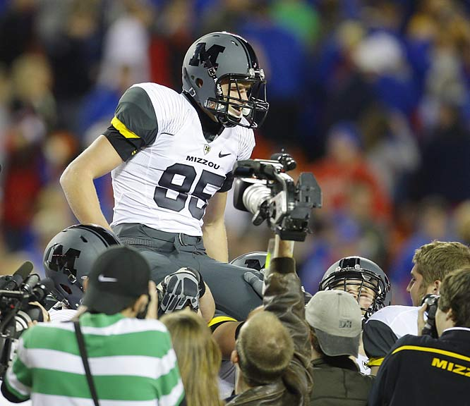 Grant Ressel's last-second field goal gave Missouri a 41-39 victory over rival Kansas and earned the kicker a ride off the field.