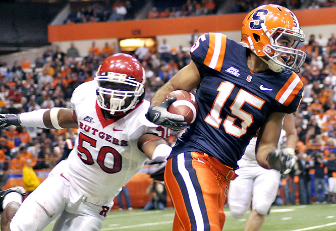 Greg Paulus had 142 yards passing and Syracuse earned its first conference victory of the season with an upset over Rutgers.