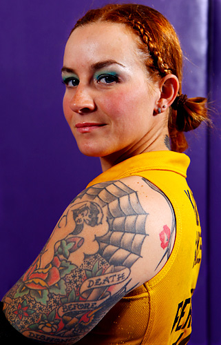 Kandy Kakes started skating derby in 2004 with Philly Roller Girls.  She is a five season veteran in the Blocker and Pivot positions.