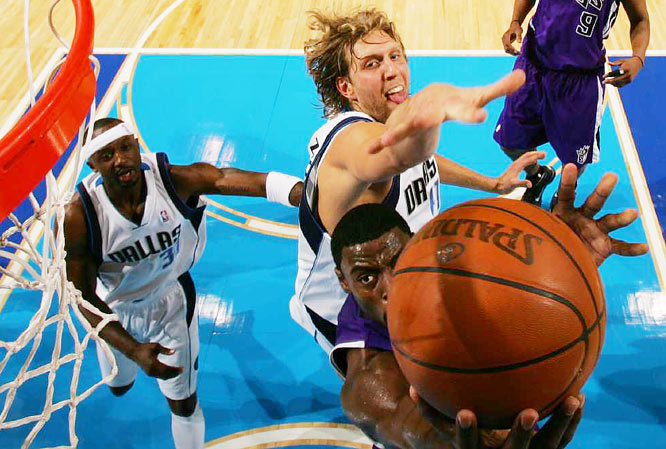 Sacramento rookie Tyreke Evans goes in for a layup ahead of Dirk Nowitzki during the Kings' 104-102 loss to the Mavericks in Dallas on Nov. 20. Evans finished with a game-high 29 points.