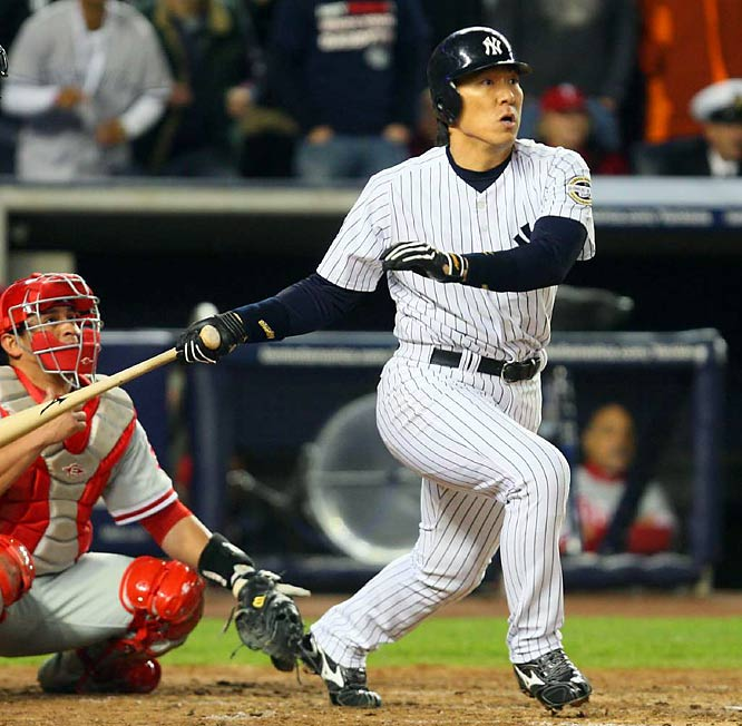 With this two-run single in the third, Matsui improved his average in the World Series to .636 (7 for 11) with six RBIs. He's 9 for 19 (.474) against Pedro Martinez in postseason play