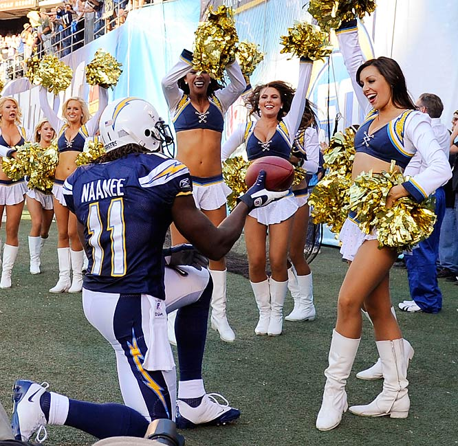 San Diego Chargers Cheerleader: NFL Cheerleaders: Week 10