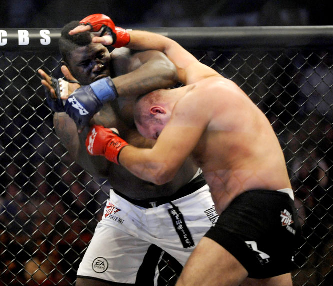 For the first time in 13 months, when Kevin ''Kimbo Slice'' Ferguson owned the EliteXC stage, CBS aired its first MMA card on prime time with Strikeforce's ''Fedor vs. Rogers'' battle at the Sears Centre in Hoffman Estates, Ill.<br><br>The card featured WAMMA champion Fedor Emelianenko (black trunks), widely regarded as the top fighter in MMA, against Brett Rogers, who entered with a perfect 10-0 record.