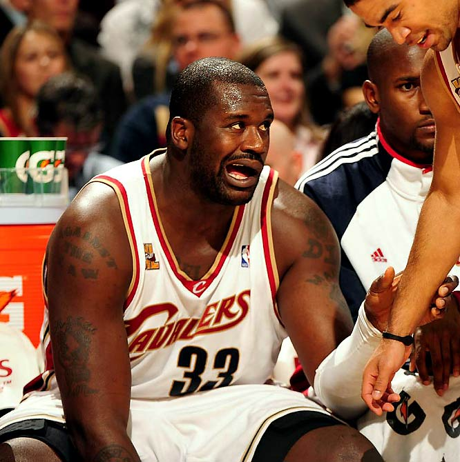 <i>Shaq proves that you're never too old for ''Yo momma'' jokes.</i><br><br>''This is a great one @THE_REAL_SHAQ Yo momma so dumb she stayed in all night to study for her blood test'' <br>(12:31 AM Nov 4)