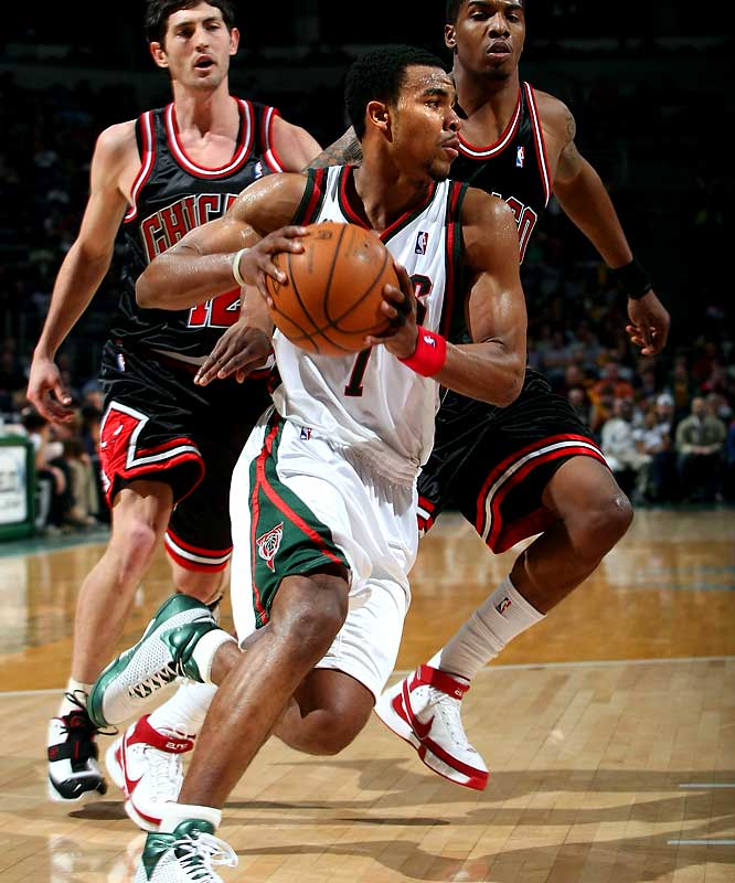 Take a bow if you knew that Sessions holds the decade record for most assists in a game. In the penultimate game of a rookie season spent mostly in the D-League, the second-round pick handed out a franchise-record 24 assists (to go with 20 points) in Milwaukee's 151-135 loss to Chicago. Sessions produced the first 20-20 performance in Bucks history.