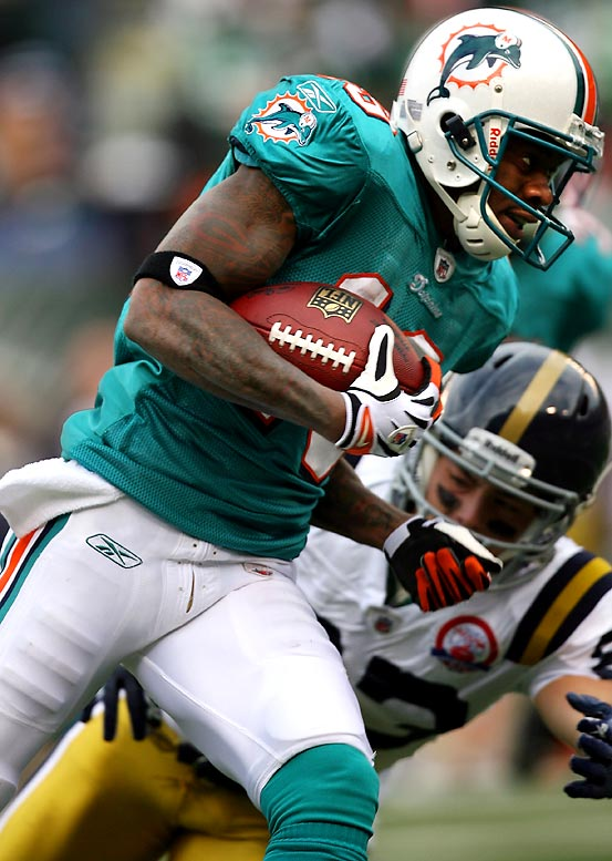 Benched as a starting receiver, Ginn responded on special teams by scoring on 100- and 101-yard kickoff returns in the third quarter of Miami's 30-25 victory against the Jets. Ginn became the first player with two kickoff-return touchdowns of 100 yards or more in the same game. Because of Ginn, the Dolphins won despite managing only 104 yards of offense.