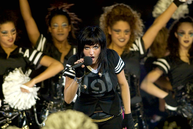 A few months after getting busted for lip-synching on <i>Saturday Night Live</i>, Simpson gave a dreadful halftime performance of her song <i>La La</i> before a crowd of more than 77,000 and was booed off the stage.