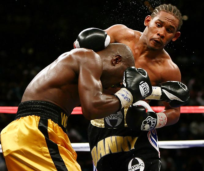 The latest in a line of prospects from Golden Boy's stable, Jacobs capped a five-fight 2009 with a strong decision victory over middleweight gatekeeper Ishe Smith. A four-time Golden Gloves champion, Jacobs has built an 83 percent knockout rate with surgical combinations and concussive power with both hands. <br><br>Runner-up: Ismayl Sillakh