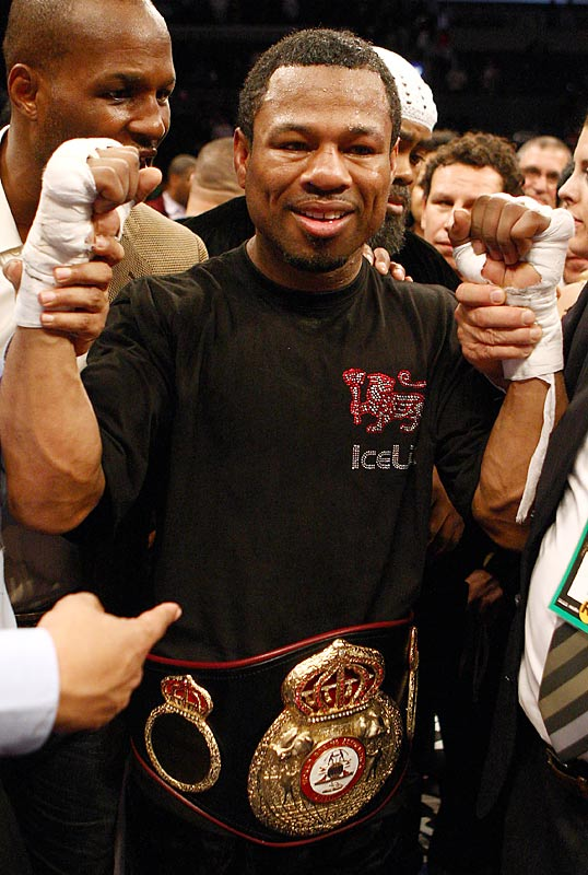Mosley fought only once in 2009 but it was a beauty. Shoved to the back of the welterweight pack after a narrow loss to Miguel Cotto in '08, Mosley reclaimed his career -- and his status as one of the world's top pound-for-pound fighters -- with a stunning knockout of Antonio Margarito. Mosley took a sledgehammer to Margarito's aura of invincibility and won a version of the welterweight title for the third time in his career. <br><br>Runner-up: Amir Khan