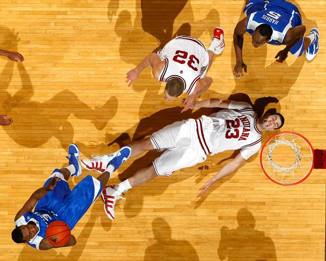 Indiana forward Bobby Capobianco failed to draw a charge against Kentucky guard Darnell Dodson at Assembly Hall in Bloomington on Dec. 12. Dodson made the shot and finished with 10 points as Kentucky won 90-73.