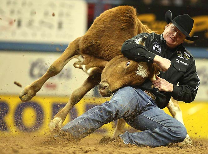 Curtis Cassidy from Donalda, Alberta, displayed good form on his way to a second-place finish in steer wrestling.