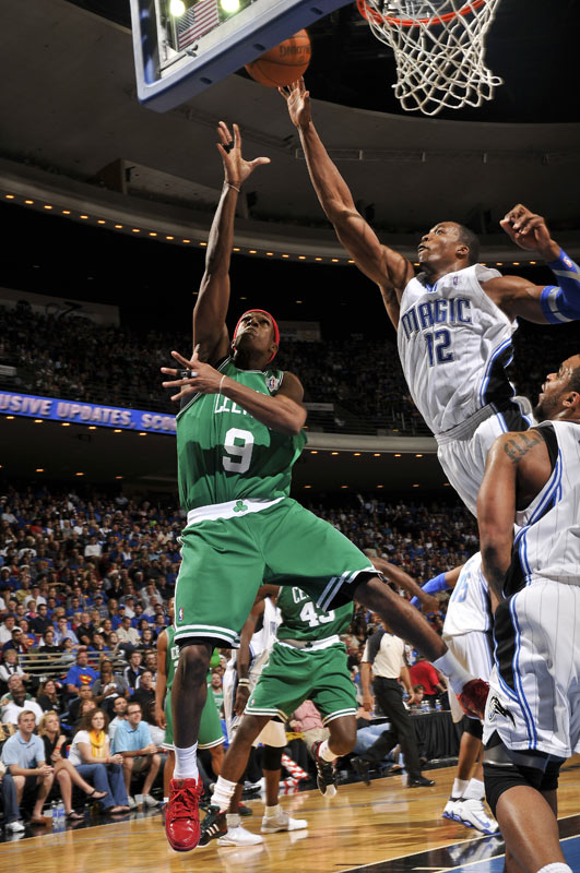 Led by tenacious defense and Rajon Rondo (9), the Celtics bullied the Magic for a 86-77 win in Orlando. The Boston point guard had a nice holiday double-double with 17 points, 13 boards and eight assists.