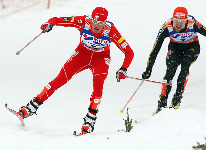 At the 2009 World Championships, Demong experienced the worst and best of his sport. He first got his team disqualified after misplacing his bib number in the bottom of his jumping suit before the race. Then he rebounded to win the large hill two days later. Demong joked that he had ability to bounce back from disappointment because he had lost some of his short-term memory after fracturing his skull in a swimming pool seven years earlier.