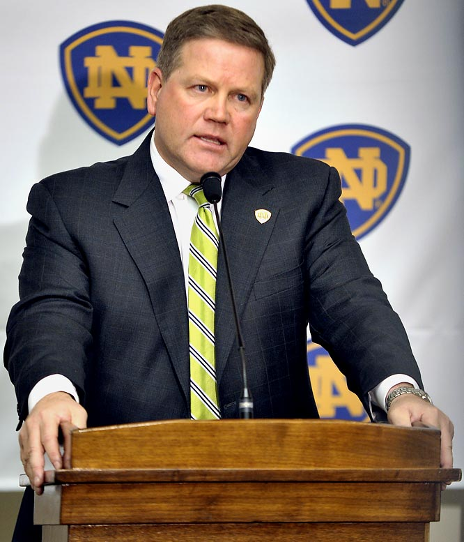 Not sure what's more ridiculous, Brian Kelly walking into the Cincinnati football banquet with a couple security guards after taking the Notre Dame job or hearing every Bearcat player rip into their coach for taking a more prestigious job that will pay him more.How many of those players would turn down a lucrative contract to play in the NFL if it meant they had to leave the team early?