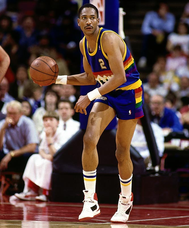Denver forward Alex English scores his 25,000th career point during the Mavericks' 106-104 road loss to the Trail Blazers.