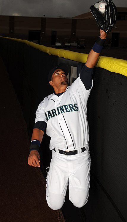 Gutierrez ranked first in the league with 29 runs saved defensively according to Ultimate Zone Rating, making him one of the best defensive players of 2009 and a key focus for the Mariners in 2010.