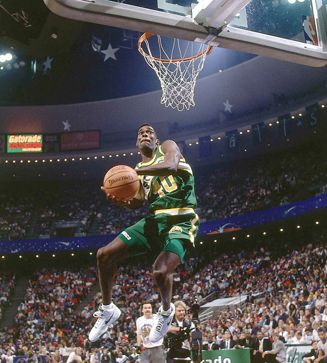 Kemp slams one home during the 1992 contest. Cedric Ceballos won the event.