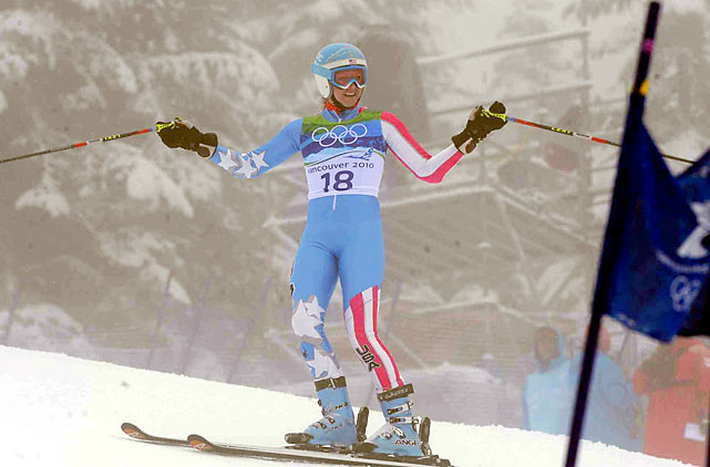 Mancuso, who followed Vonn out of the starting house, had to stop midway through her run because Vonn was still on the side of the course being treated.