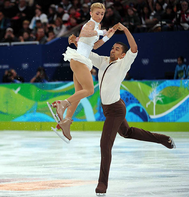 Aliona Savchenko and Robin Szolkowy of Germany won a bronze medal in the pairs final after a flawed free skate.
