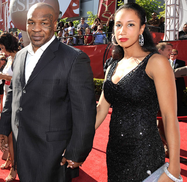 Former heavyweight champion Mike Tyson and wife Lakiha Spicer arrive at the 2009 ESPY Awards.