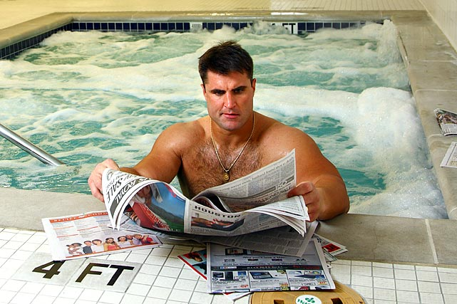 The Texans' veteran defensive tackle -- he's played for eight NFL teams -- stood in a hot tub while enjoying the daily paper.