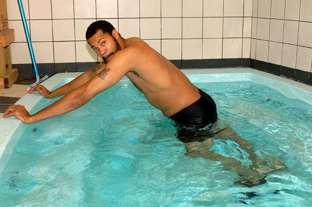 No referees to 'T' up Wallace here, as the then-Piston star enjoys a soak.