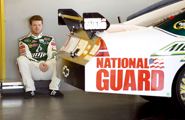Earnhardt, Jr. struggled throughout much of 2009, finishing a disappointing 25th in the points.