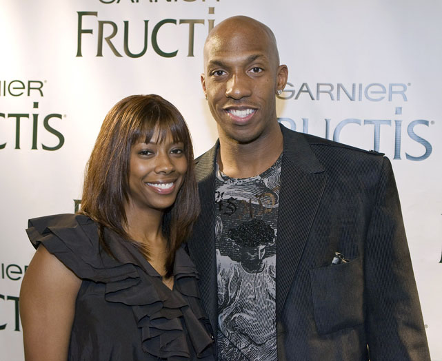 Knicks point guard Chauncey Billups gets close with his wife, Piper.