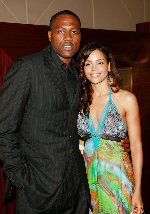 "76er Elton Brand married his longtime girlfriend and fellow Duke student Seneca Shahara Simmons in 2006. Brand reportedly proposed to Simmons by hiring a private plane to write ""Will you marry me, Seneca?"""