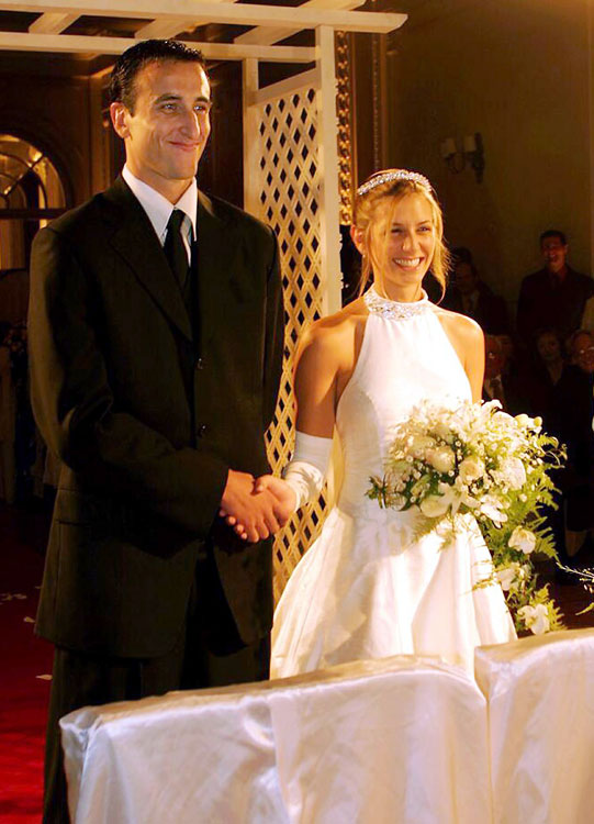"Spurs guard Manu Ginobili and Marianela Orno said ""I do"" in 2004."
