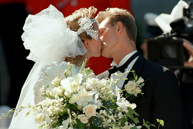 Gretzky married actress Janet Jones on July 16, 1988 in a ceremony that was tantamount to a Royal Wedding.
