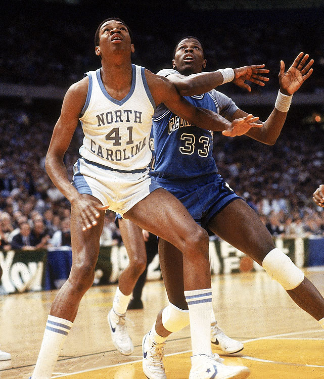 Despite a solid outing against the Tar Heels ( 23 points, 11 rebounds, three steals, and two blocks), Ewing and his Hoyas lost by a point when Georgetown's Fred Brown accidentally passed to UNC's James Worthy to clinch a Tar Heel title.