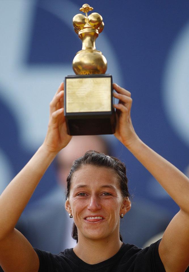 def. Angelique Kerber, 6-4, 6-3 WTA International, Clay, $220,000 Bogota, Colombia