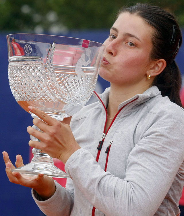 def. Arantxa Parra Santonja, 6-2, 7-5 WTA International, Clay, $220,000 Estoril, Portugal
