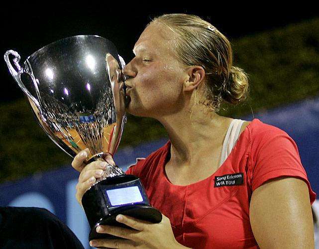 def. Flavia Pennetta, 6-4, 6-3 WTA International, Clay, $220,000 Palermo, Italy